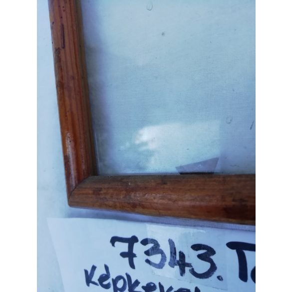 kisméretű, fa képkeret üveggel